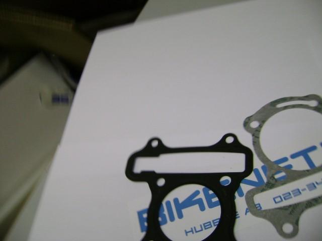 R-B-022